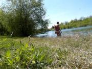 Andre Mosbacher geht nackt baden