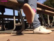 Jasmine Keds shoeplay fidget