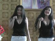 HOT Indonesian singer celeb artis indo goyang hot