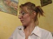Alix garce a lunettes