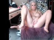 Blonde squirt