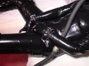 Rubbermaus Masturbation in Fullrubber and Highheels