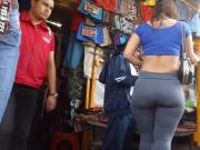 Pretty woman in leggings, thick ass, la merced nalgona 25