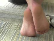 Candid soft soles of a college student - YUM!!!!!!!!