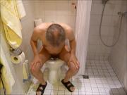 08 at1 El hombre se masturba desnuda inodoro spain 7c8a1