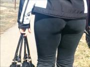 Big ass milf in sweat pants