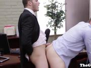 Muscled office hunk fucks interviewee