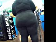 BBW STALLION MILF IN YOGA PANTS CANDID ASS
