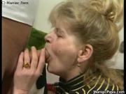 Older dame enjoys fuck passion