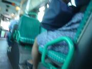 masturbation derriere une fille dans le bus