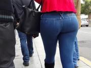 ASS JIGGLE...WALKING