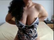 Girl on Cam shows her Big Tits S967