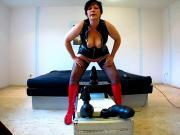 older german amature riding huge dildos