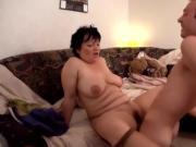 mature mom sc32