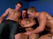 Muscled hunks threeway assfuck and cocksuck