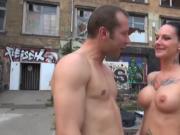 Heisser Sex in einem Berliner Hinterhof