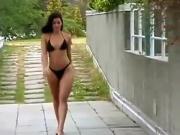 Morena de bikini black