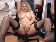 mature nice erotic woman boob oil and pussy show