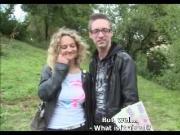 E - Coppia convince coppia a divertirsi in boschetto