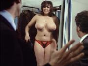 Charlys Nichten 1974 - Dicke Frau probiert BH