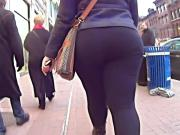 Jiggly BBW In Black Tights