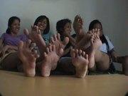 4 Girls Wide Toe Spreading