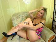 Hot blond gets off