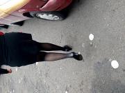 Vestido negro con medias