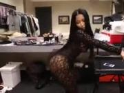 Nicki minaj twerking her big ass