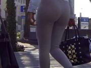 Candid - 2-3 Teen Asses In Tight Jeans