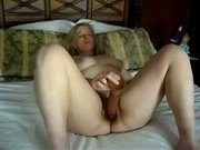 Texas Housewife prefers huge toys (webcam movie)