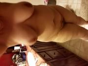 Shakin boobs