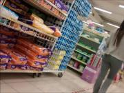 Safadinha fazendo compra