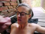 Risky Outdoor Fuck with Squirting