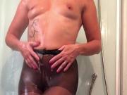 Une petite Douche chaude sexy en collant nylon noir partie 1