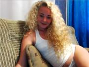 Curly blonde Hairfetish camshow