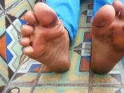 ebony sexy dirty soles and nice toes