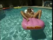 Huge tit milf massage her pussy in pool