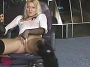 Blonde goes wild on a webcam