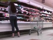 candids - nice ass in tight pants at supermarket