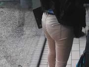Little pretty woman in tight Jeans