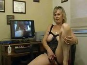 Amateur Hot and Horny Milf White Wife Mature Liza Paying Tribute