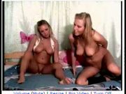 cam 33 sexy lesbos again
