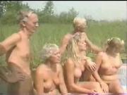 Group nudisn