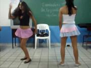 novinhas na escola