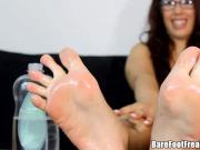 Oily Toes of Puerto Rican Teacher