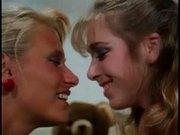 Tanned Retro Mom & Girl - great lesbian scene