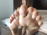 feet webcam girl
