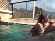 couple amateur francais baise et pipe a la piscine