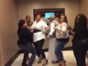 mona dancin